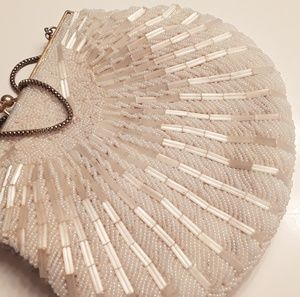 Clamshell flapper vintage sequined clutch purse